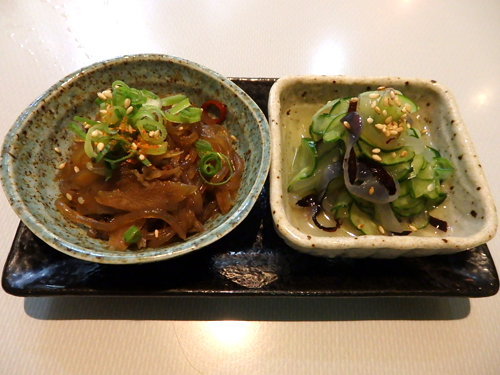 03牛肉とごぼうのキンピラクラゲ酢