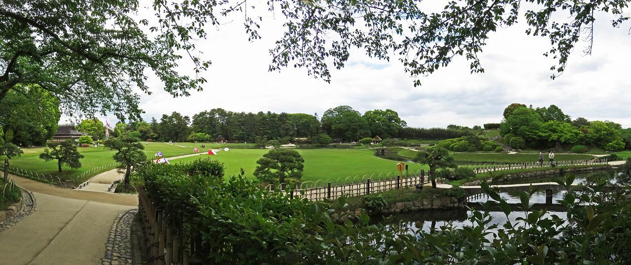 s-20160429 後楽園今日の南門を入って直ぐの処から眺めた園内ワイド風景 (1)