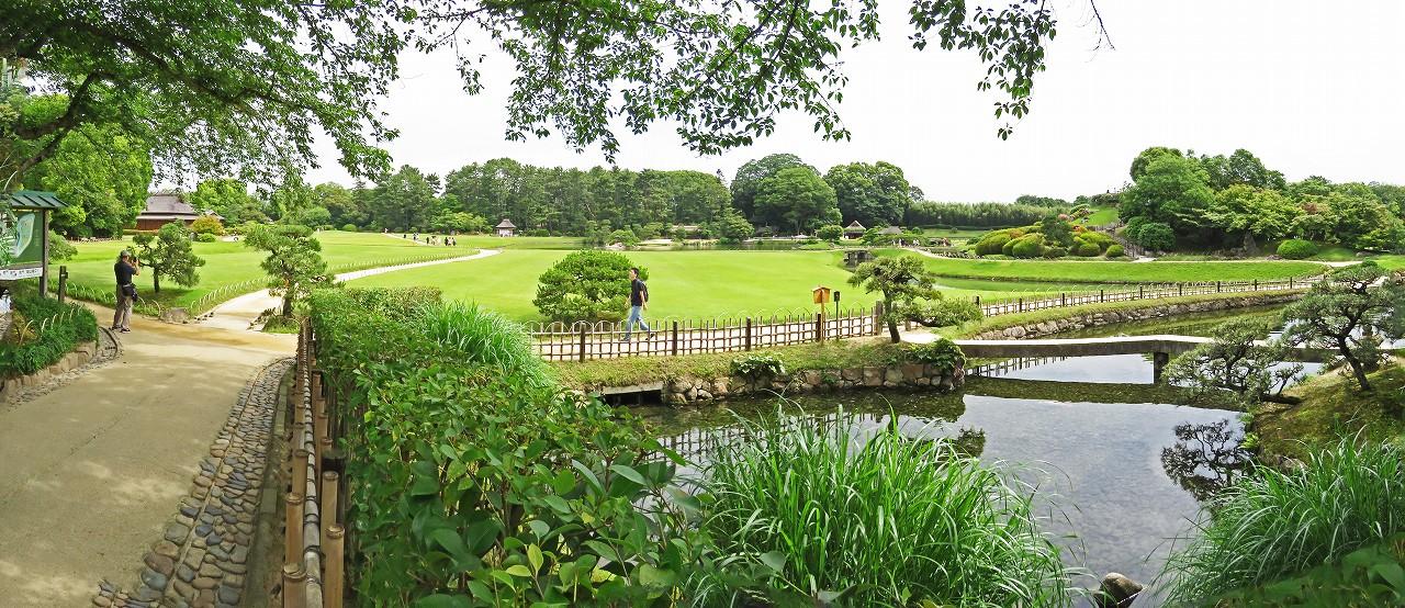 s-20160604 後楽園今日の南門を入って直ぐの場所から眺めた園内ワイド風景 (1)