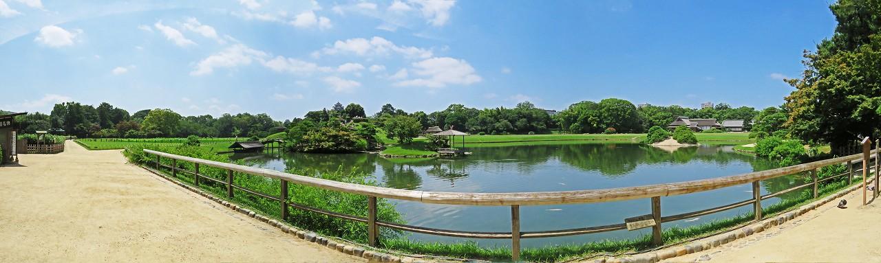 s-20160719 後楽園今日の園内沢の池のワイド風景 (1)
