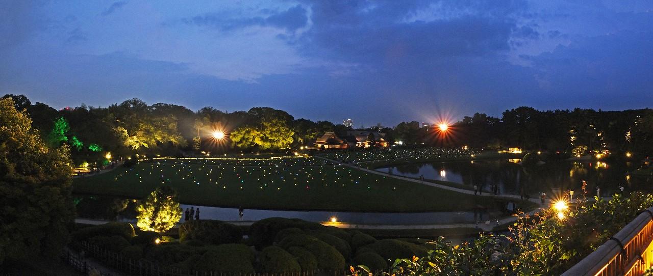 s-20160803 後楽園夏の幻想庭園唯心山頂上からの眺めワイド風景 (1)