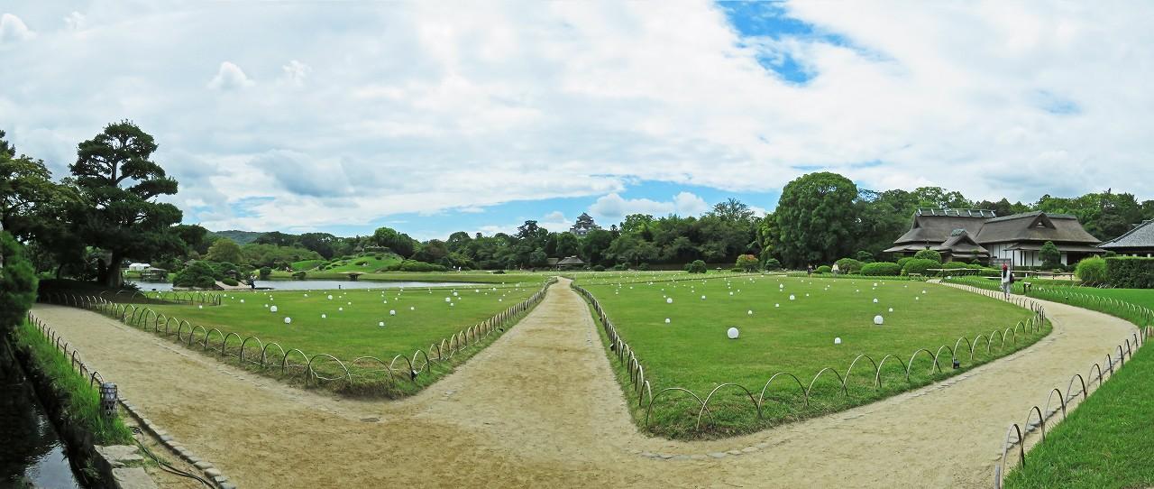 s-20160825 後楽園今日の幻想庭園蛍の庭照明飾の昼間のワイド風景 (1)