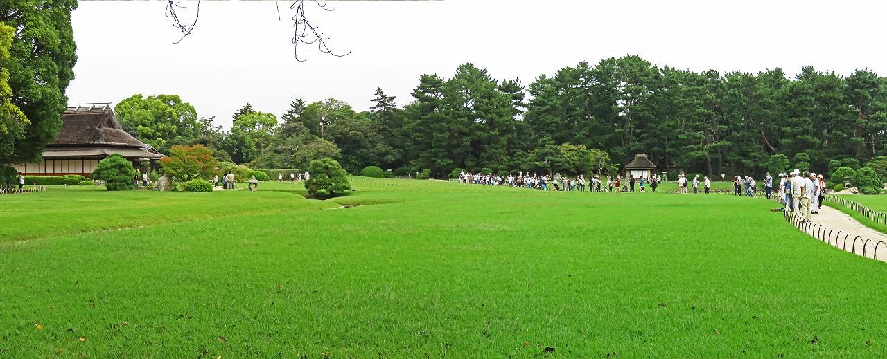 s-20161002 後楽園今日のタンチョウの園内散策日の様子園内ワイド風景 (1)
