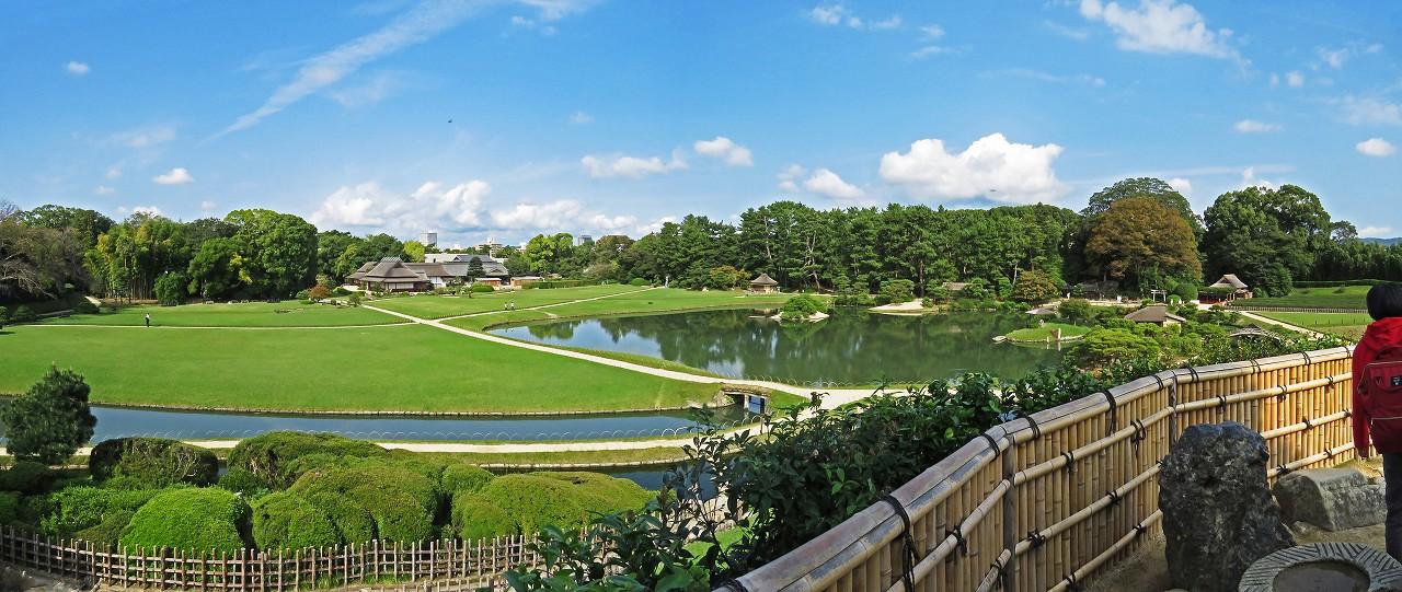 s-20161018 後楽園今日の唯心山頂上から眺めた園内ワイド風景 (1)