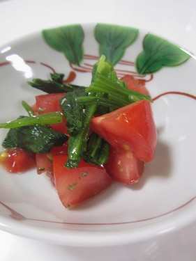 20160517トマトとほうれん草のサラダ