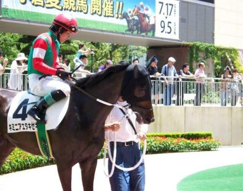 【競馬】武豊「誰とは言わないが、1レース終わる毎にフーフー言ってる騎手がいるw」