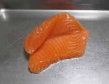 生鮭のピーマン詰めフライ 調理②