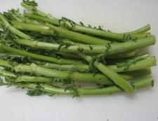 春菊の茎と豚こまの炒め物 材料②