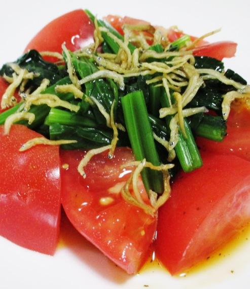 トマトとほうれん草のサラダ B