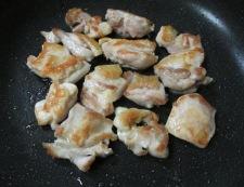 鶏もも肉と新玉ねぎの甘辛煮 調理②