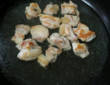 鶏もも肉と新玉ねぎの甘辛煮 調理③