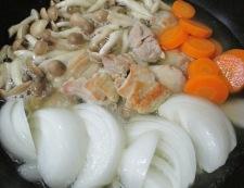鶏もも肉と新玉ねぎの甘辛煮 調理④