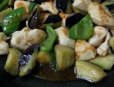 ナスと鶏むね肉のピリ辛一味炒め 調理⑥