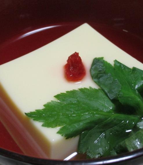 玉子豆腐のお吸い物 B