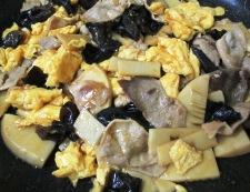 豚こまとキクラゲの卵炒め 調理⑥