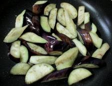 豚こまとナスのおろし炒め 調理②