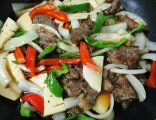 牛肉とピーマンの黒胡椒炒め 調理⑥