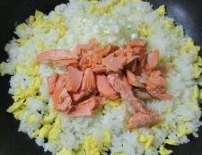 鮭レタス炒飯 調理③