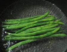 絹揚げとちくわのさっと煮 調理①