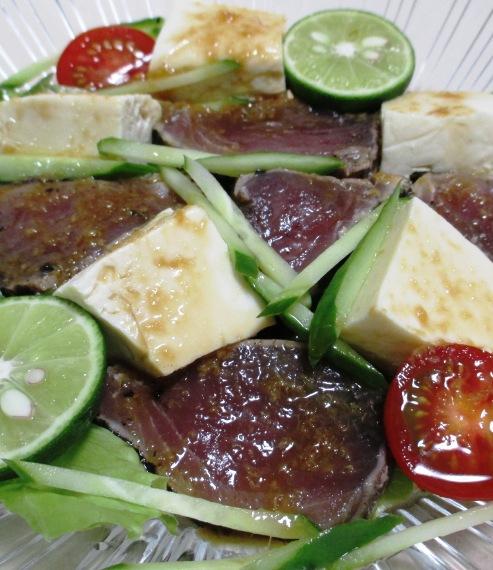 鰹のたたきと豆腐のサラダ 大