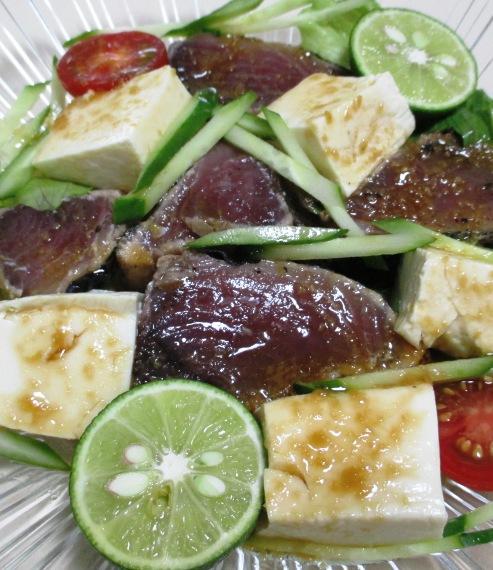 鰹のたたきと豆腐のサラダ 拡大