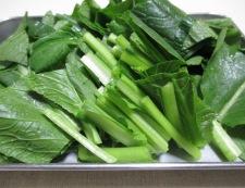 小松菜とツナの煮物 調理①