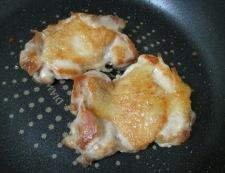 鶏もも肉のバジルチーズ焼き 調理②