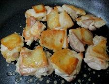 鶏肉のサフランスープ煮 調理①