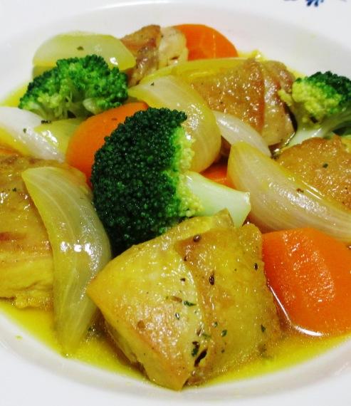 鶏肉のサフランスープ煮 B