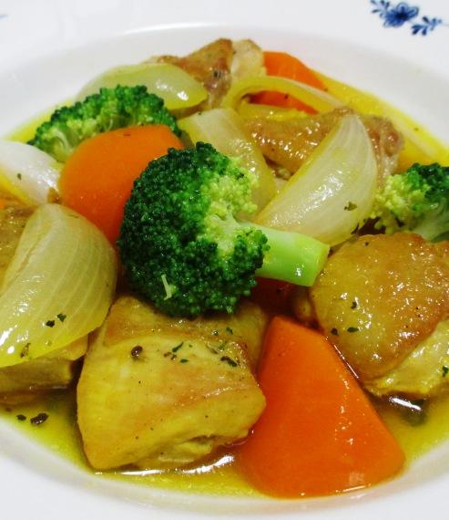 鶏肉のサフランスープ煮 大