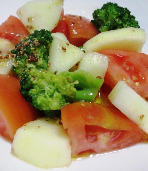 トマトとりんごのサラダ B