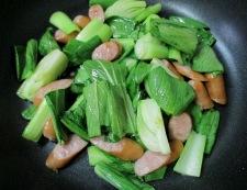 ソーセージと青梗菜のさっぱり炒め 調理⑤