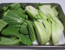 ソーセージと青梗菜のさっぱり炒め 調理①