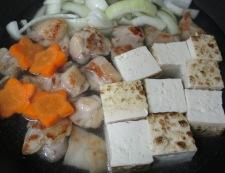 鶏もも肉と焼き豆腐の煮物 調理④