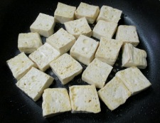 木綿豆腐とベーコンの甘辛炒め 調理③