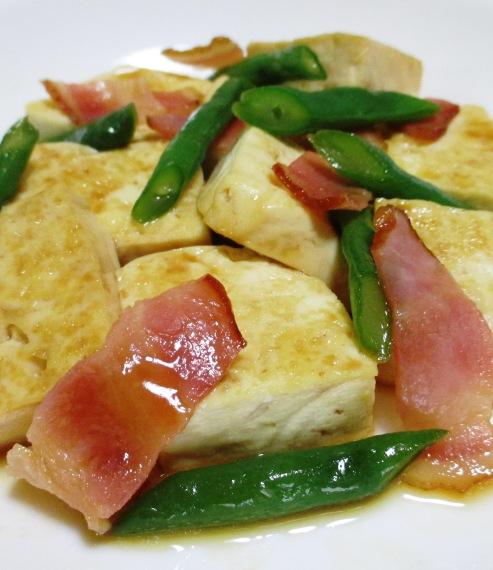 木綿豆腐とベーコンの甘辛炒め B