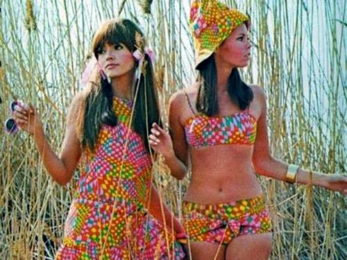 VintageSummerGirls2.jpg