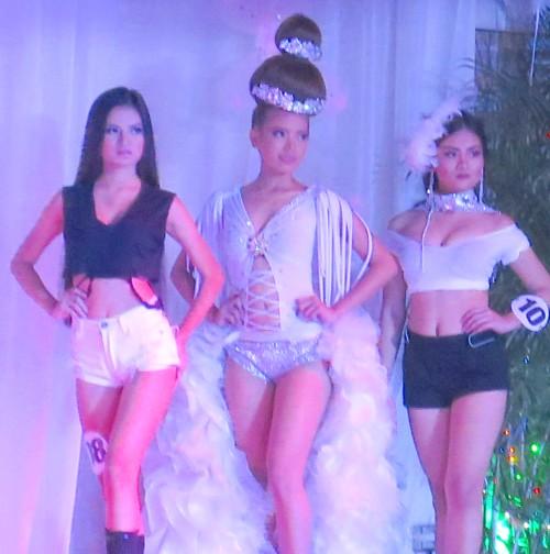 friday fashion show042916 (216)