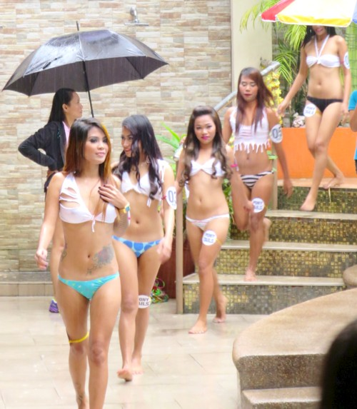 Miss ponytail2016 pool (3)
