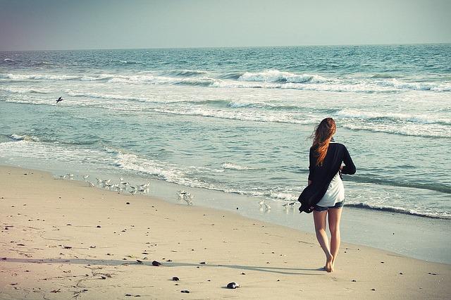 beach-woman-1149088_640.jpg
