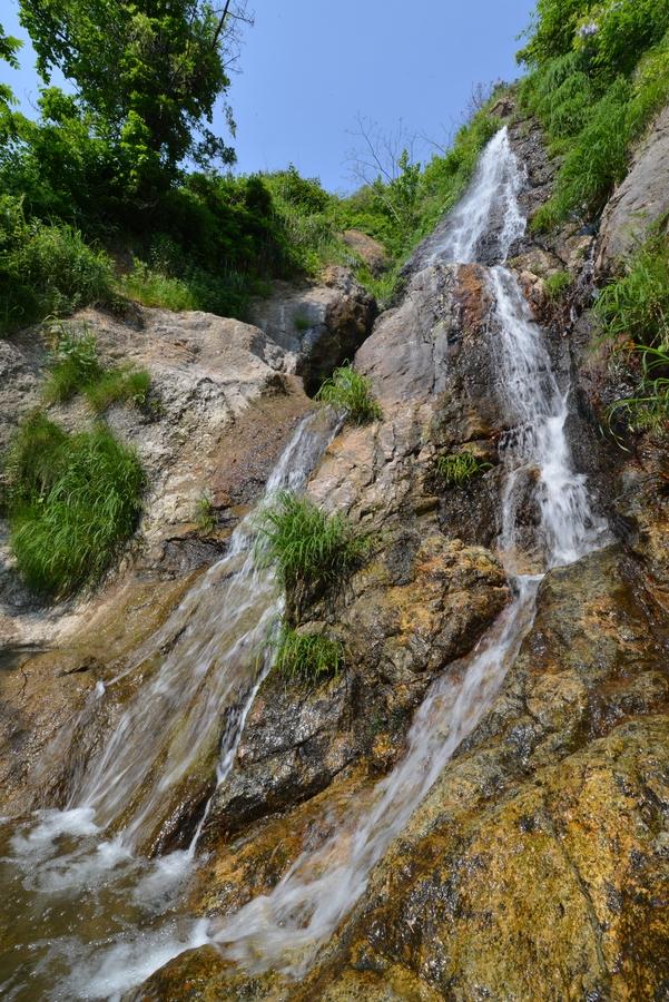 新緑の浜滝-2
