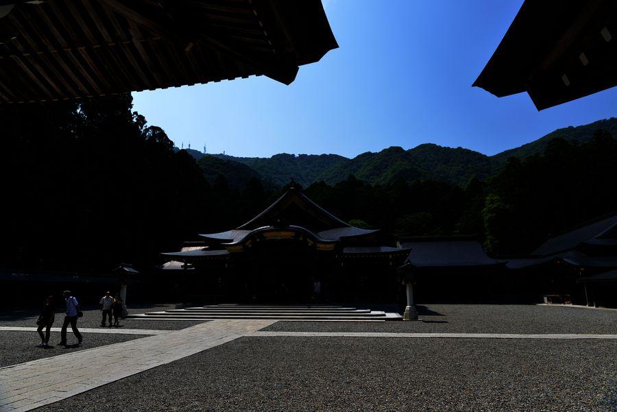 弥彦神社-1