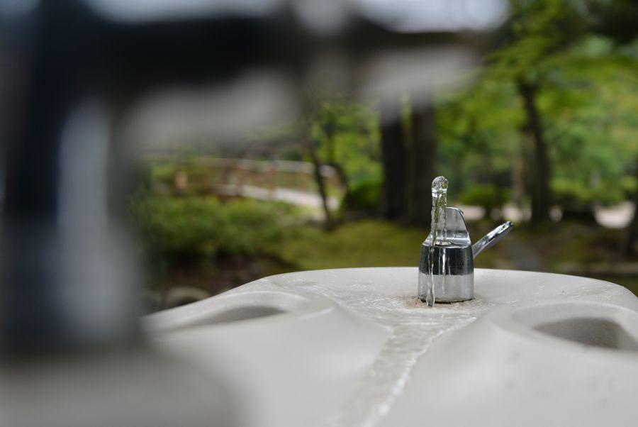 水を飲みたい-4