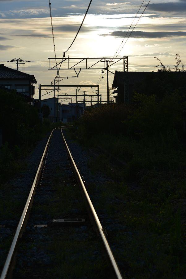 光る線路-2