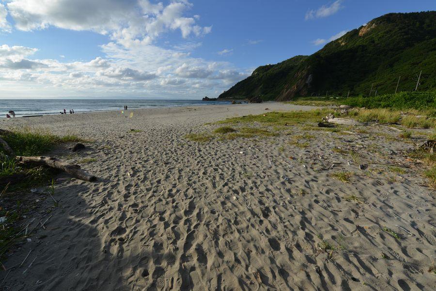 夏の終わりの海岸-1
