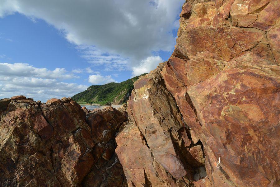 海岸の岩-3