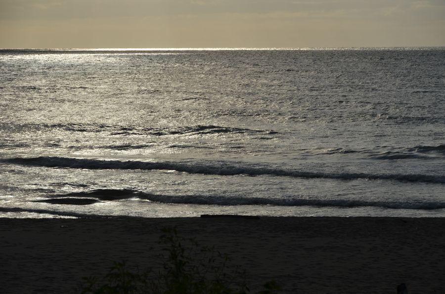 光る海-4