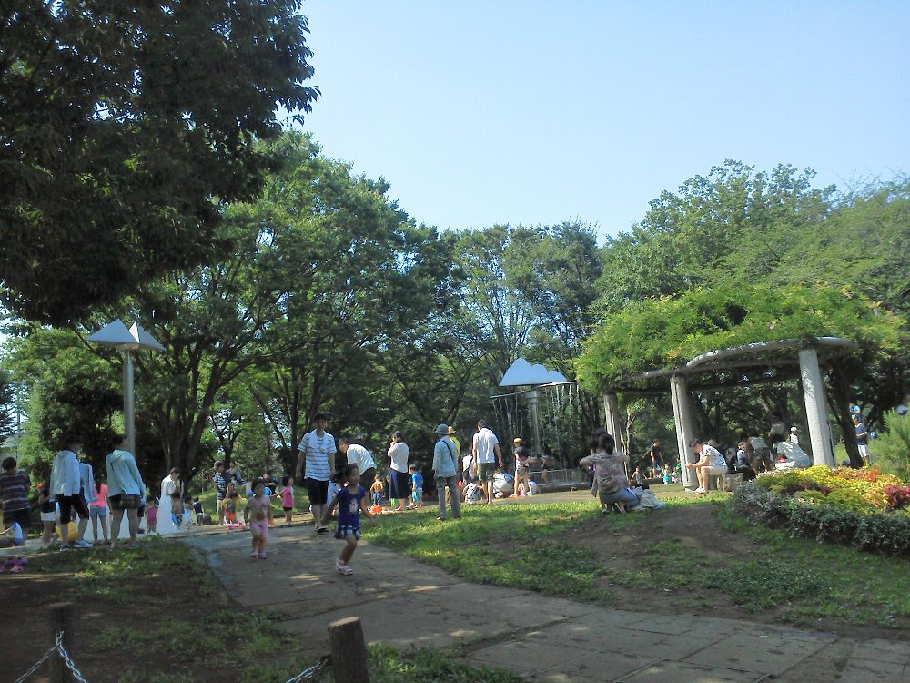 F1000277青葉台公園混雑