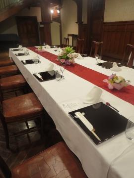 洋館1階の広間・4月会食セッティング