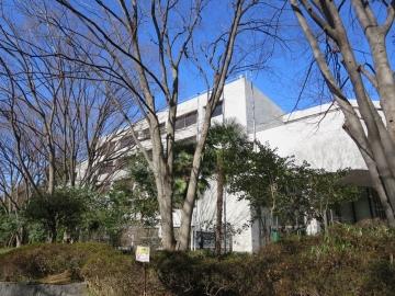 東京都立中央図書館